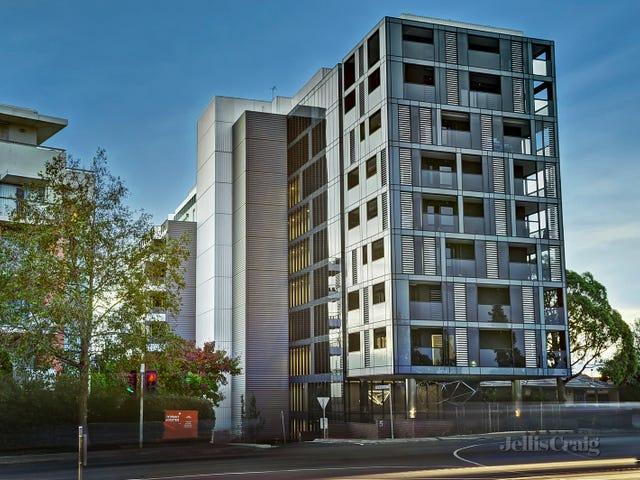 402/5 Sovereign Point Court, Doncaster, Vic 3108