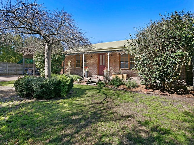 8 Edward Grove, Mount Martha, Vic 3934