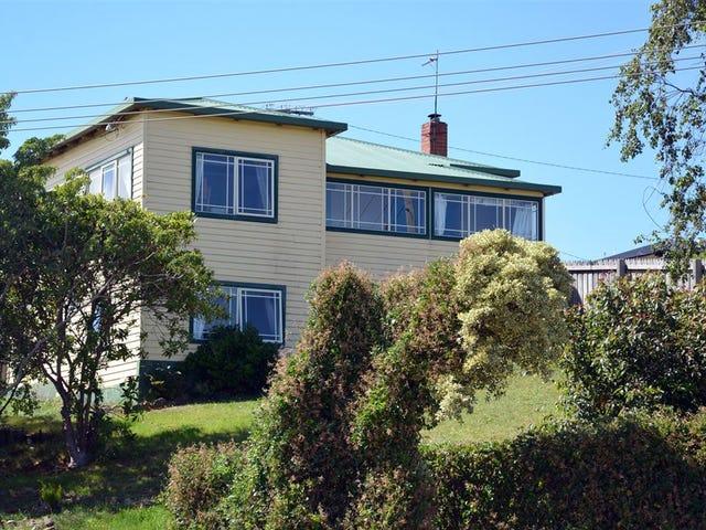 17 The Boulevard, Hillcrest, Tas 7320