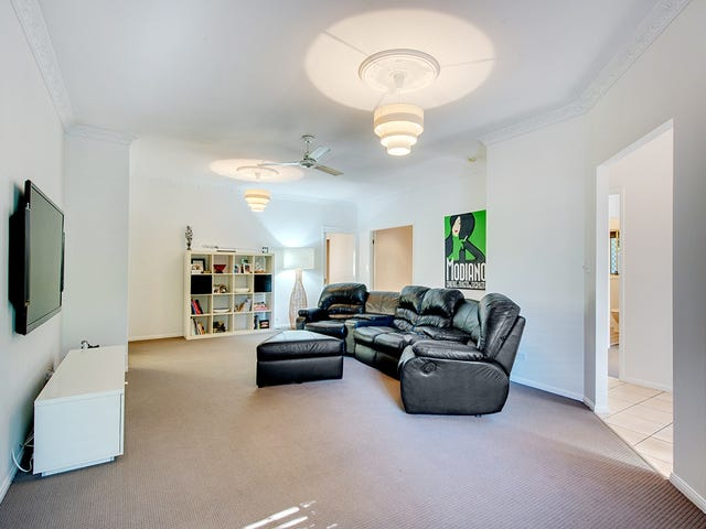 31 Dampier Cr, Forest Lake, Qld 4078
