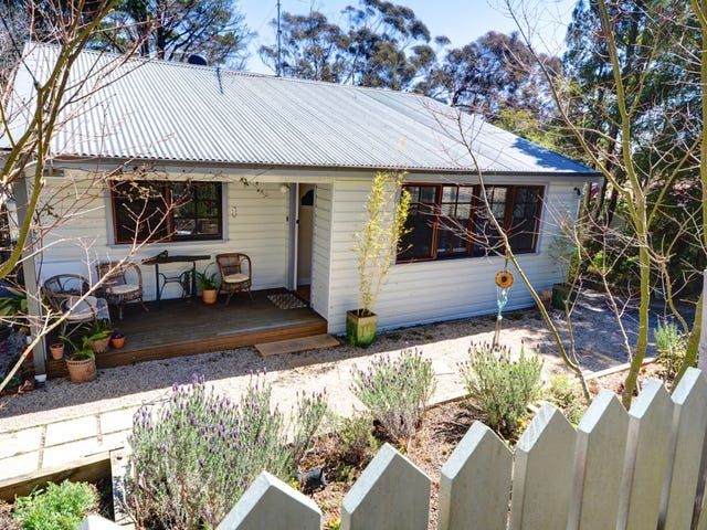 22 Bridges Street, Blackheath, NSW 2785