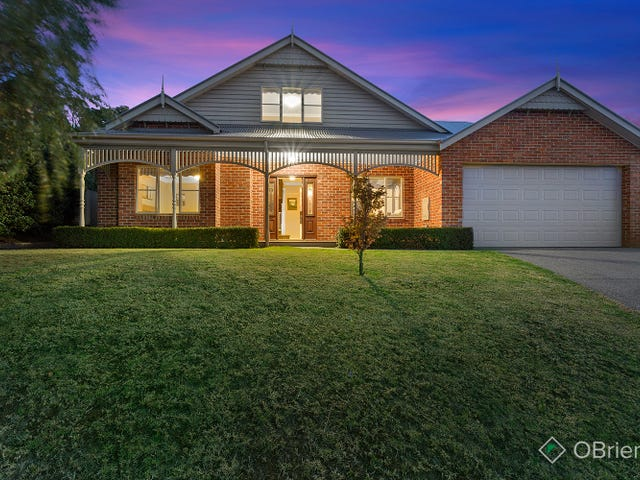 10 Crystal Court, Drouin, Vic 3818