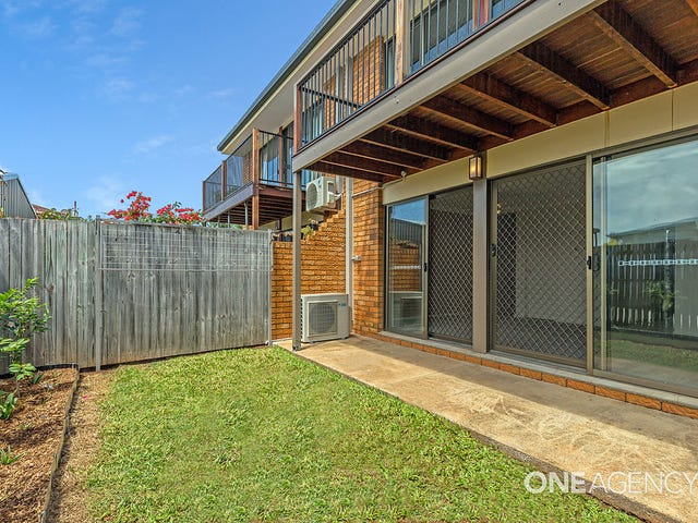 2/5 Herbert Street, Scarborough, Qld 4020