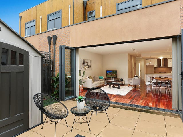4/30 Fromhold Drive, Doncaster, Vic 3108