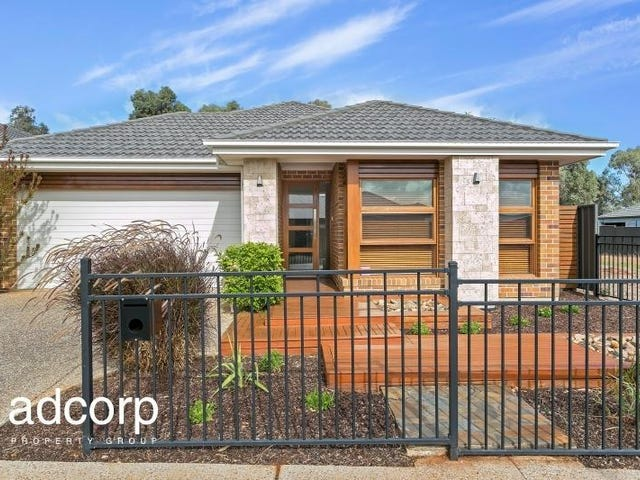 7 Roxburgh Crescent, Blakeview, SA 5114