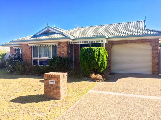 35 Wattletree Road, Lavington, NSW 2641