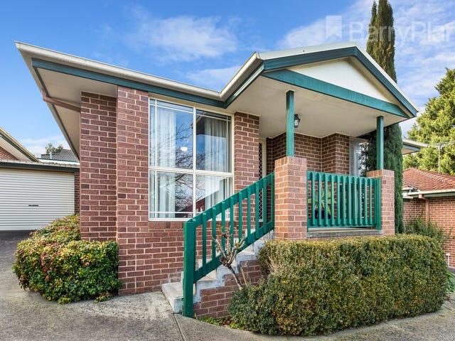2/4 Vista Drive, Chirnside Park, Vic 3116