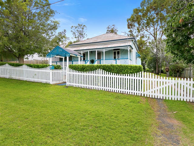 6 Williams Street East, Woodend, Qld 4305