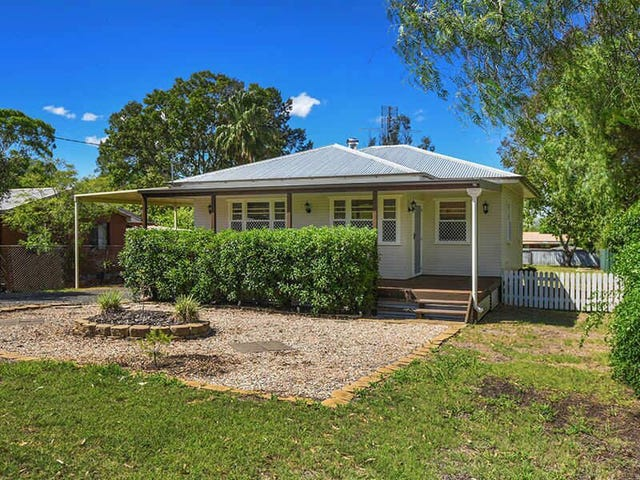 12 Harriet Street, Kingsthorpe, Qld 4400