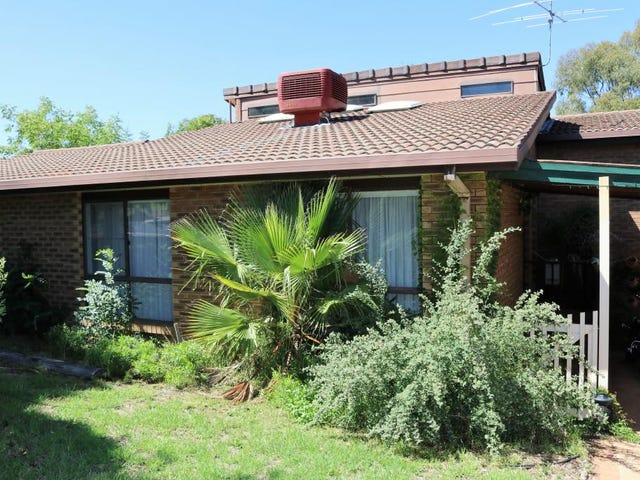 16 Keevil Drive, Young, NSW 2594