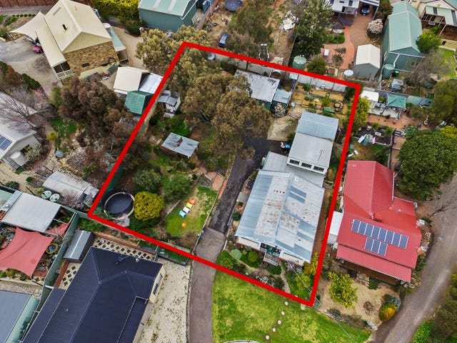 2 Doyle Crescent, Spring Gully, Vic 3550