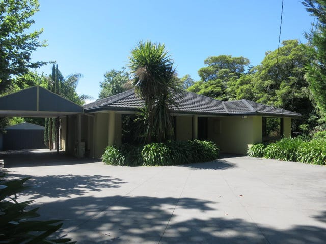 27 Mt Dandenong Road, Croydon, Vic 3136