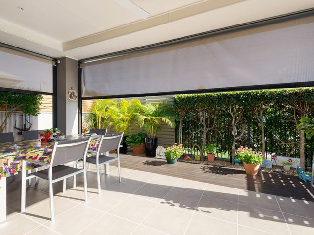 52/1 Halcyon Way, Hope Island, Qld 4212
