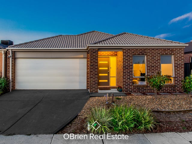5 San Fratello Street, Clyde North, Vic 3978