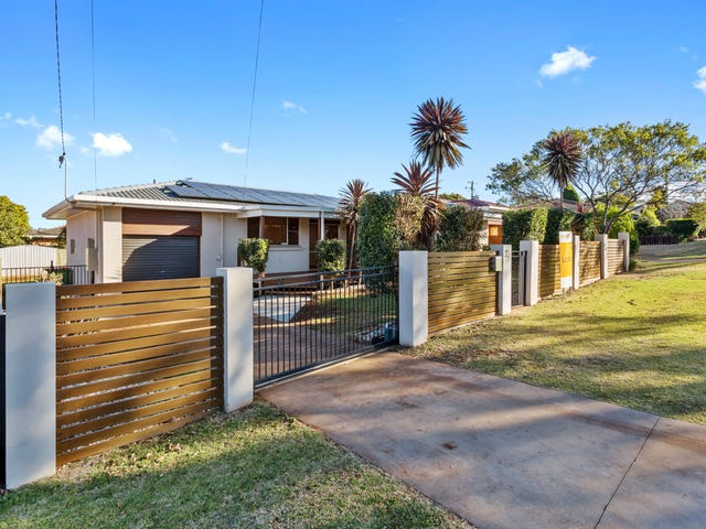 30 Knockator Crescent, Centenary Heights, Qld 4350