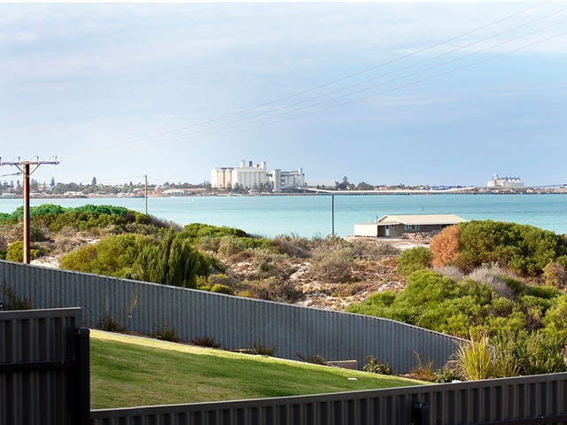 14 Esplanade, North Beach, SA 5556
