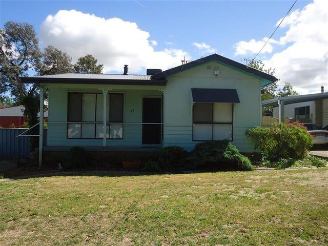 17 Castlereagh Ave, Mount Austin, NSW 2650