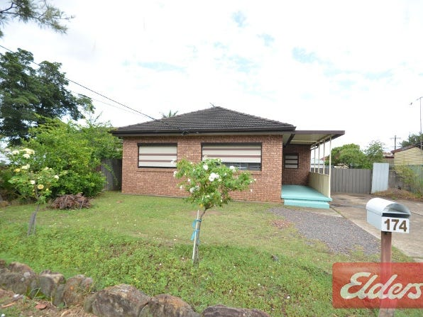 174 Binalong Road, Toongabbie, NSW 2146