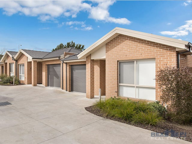 Unit 8/16-18 Phelan Drive, Cranbourne North, Vic 3977