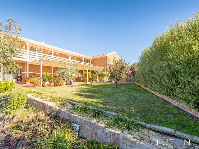 12 Heatherbelle Place, Karabar, NSW 2620