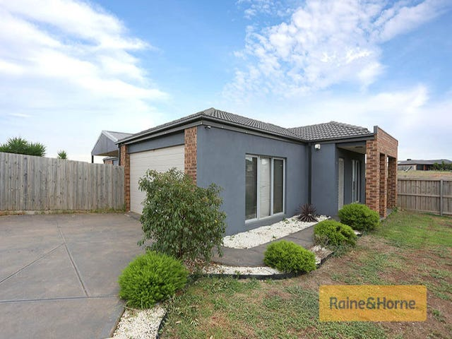 18 Peter Pan Crescent, Kurunjang, Vic 3337