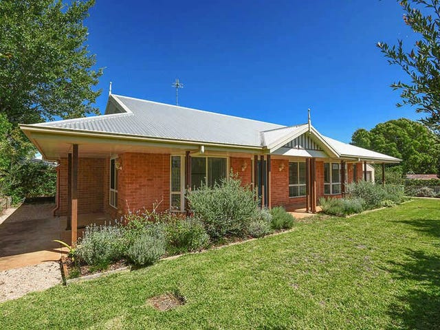 24a Collins Street, Mount Lofty, Qld 4350