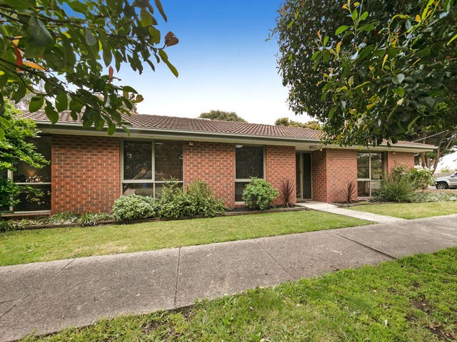 16 Evelyne Avenue, Cranbourne, Vic 3977