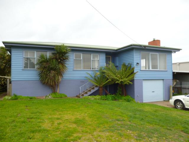 1 Lovett Street, Devonport, Tas 7310