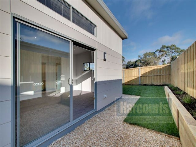 3/134 Burwood, Blackmans Bay, Tas 7052