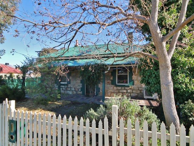 15 Clarke Street, Young, NSW 2594