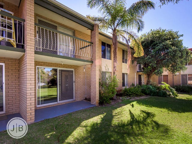 4/9 Clydesdale Street, Como, WA 6152