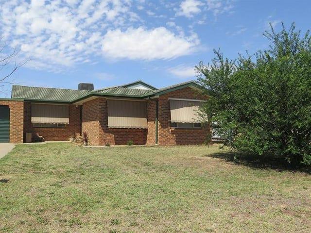 12 Bamarook Cres, Glenfield Park, NSW 2650