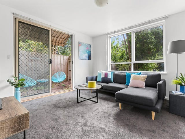 2/13 Tattenham Street, Caulfield East, Vic 3145