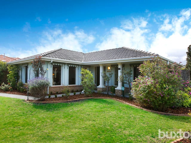 15 Albert Place, Dingley Village, Vic 3172