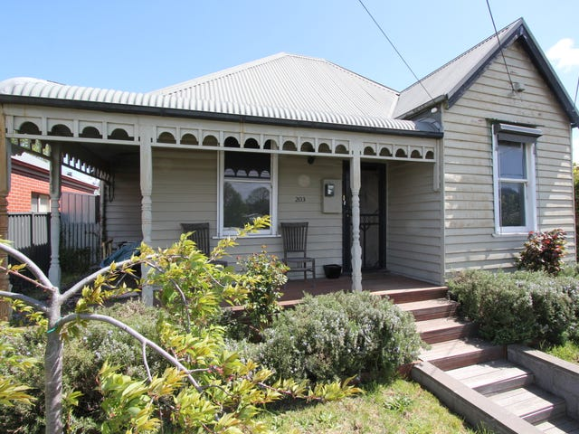 203 Crompton Street, Soldiers Hill, Vic 3350