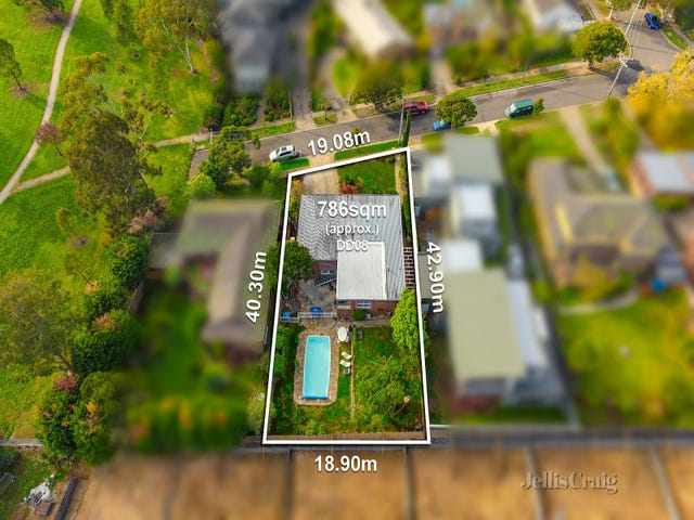 17 Arnold Grove, Doncaster, Vic 3108