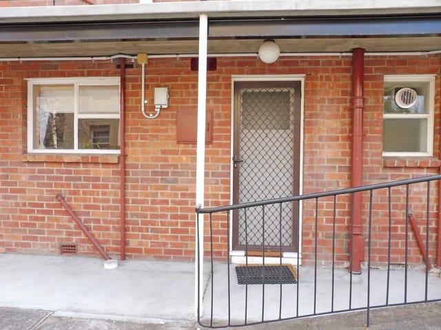 1/16 Osborne Street, Sandy Bay, Tas 7005