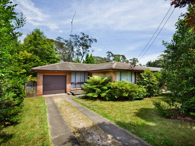 8 St Andrews Ave, Blackheath, NSW 2785