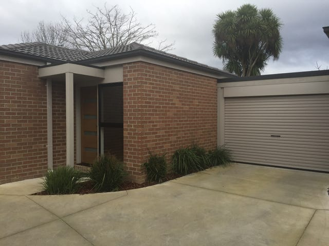 2/9 Blackburn Road, Mooroolbark, Vic 3138