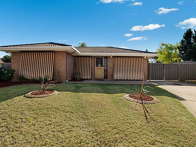 33 Sebastian Avenue, Rosemeadow, NSW 2560