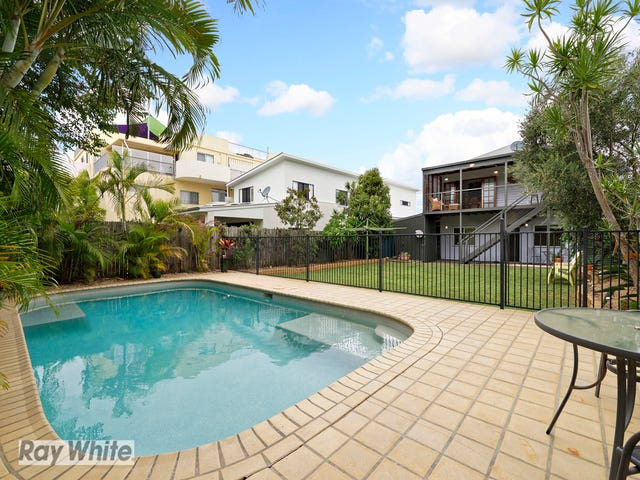 36 Rock Street, Scarborough, Qld 4020