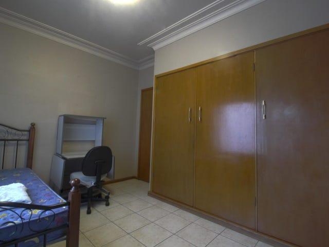 Room 4/12 Georgina Avenue, Keiraville, NSW 2500