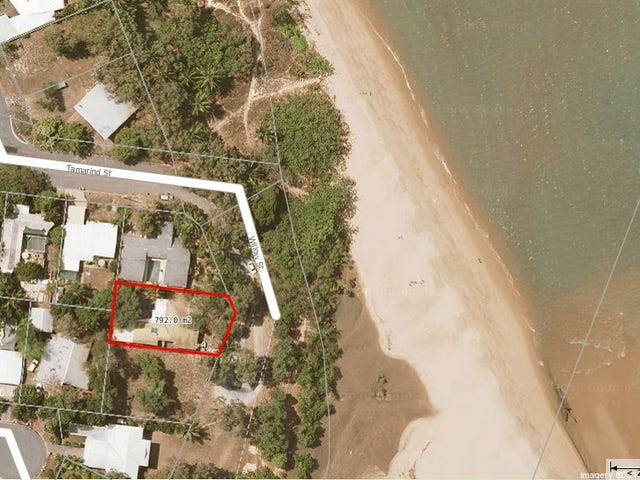 65 Willow Street, Holloways Beach, Qld 4878