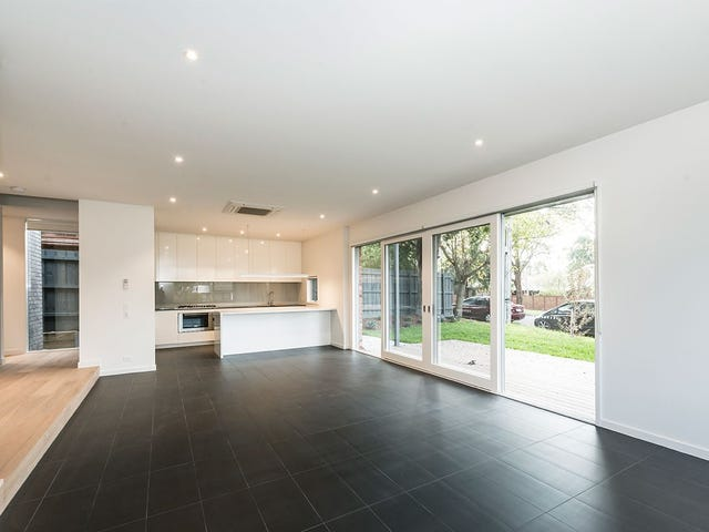 1B Carrington  Grove, Brighton East, Vic 3187