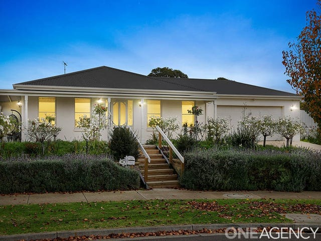 34 Augustine Drive, Highton, Vic 3216