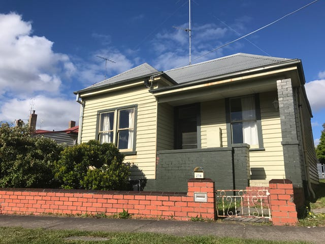 216 Doveton Crescent, Soldiers Hill, Vic 3350