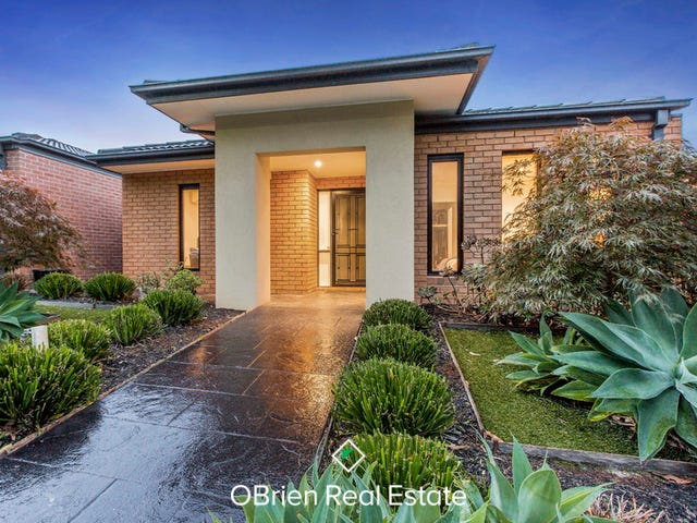64 Alisma Boulevard, Cranbourne North, Vic 3977