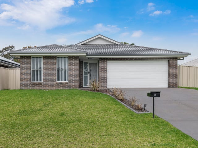 8 Mahogany Crescent, Thornton, NSW 2322