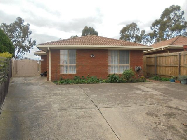 1/15 Karoonda Court, Meadow Heights, Vic 3048