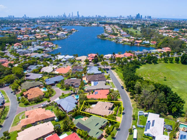 9 Martingale Circuit, Clear Island Waters, Qld 4226